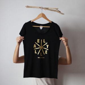 Camiseta Chica negra Bench DORADA